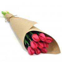 9 тюльпанов в крафтовой бумаге
