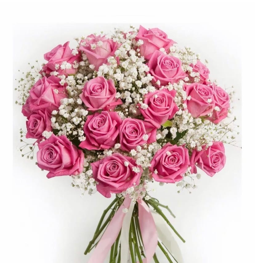 21 роза с гипсофилой